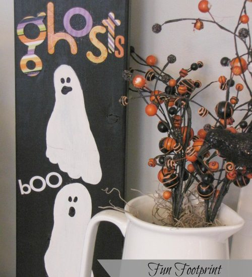 These footprint ghosts are so cute and make a fun Halloween keepsake!
