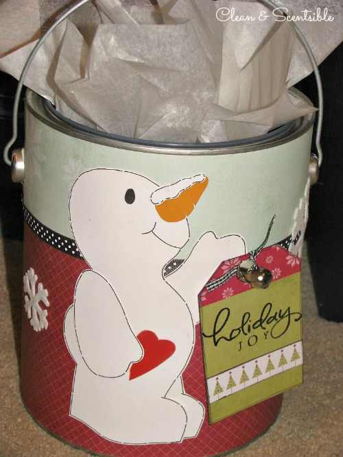 Paint Can Packaging - Such a creative way to wrap up a Christmas gift!