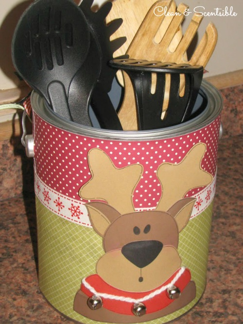 Decorate a paint can to store kitchen utensils at Christmas.
