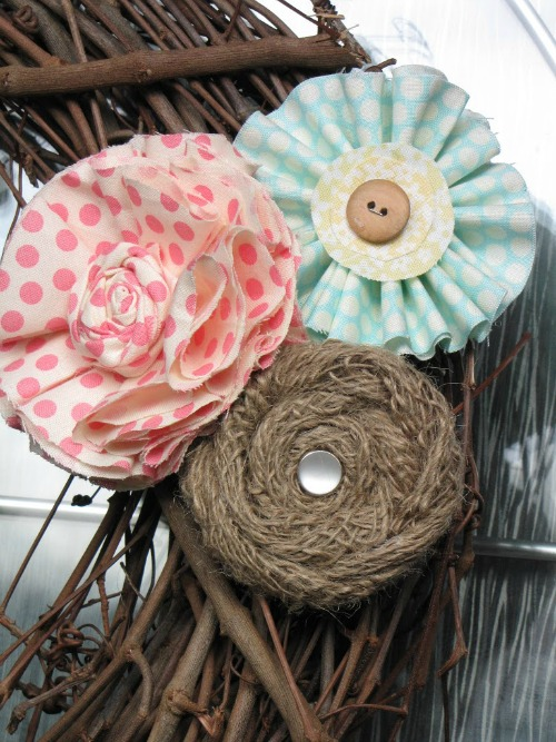 Love these fabric flowers!