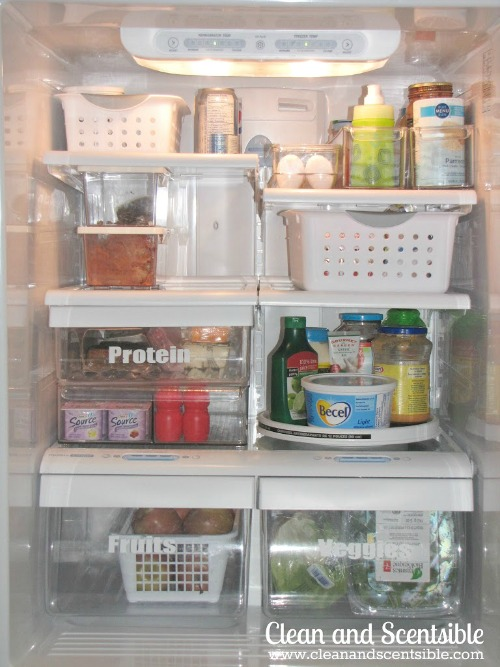 Lots of tips and tricks to organize your fridge and freezer! // via Clean and Scentsible #kitchenorganization