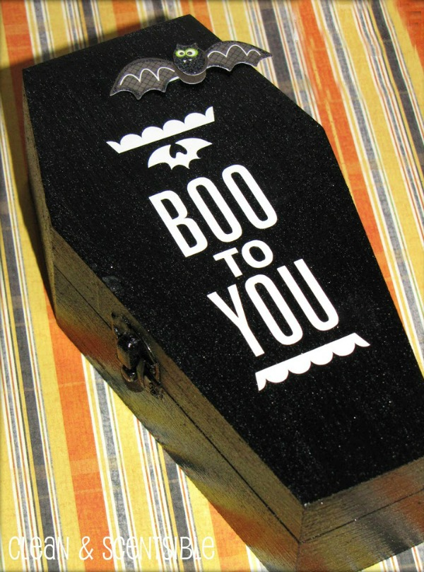 Fun Halloween coffin invitations.  These would also work as cute treat boxes!