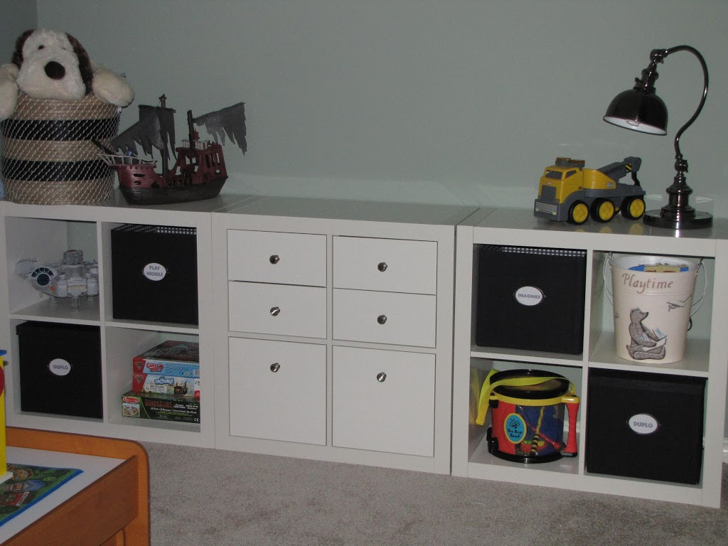 organizing with the ikea expedit clean and scentsible. Black Bedroom Furniture Sets. Home Design Ideas