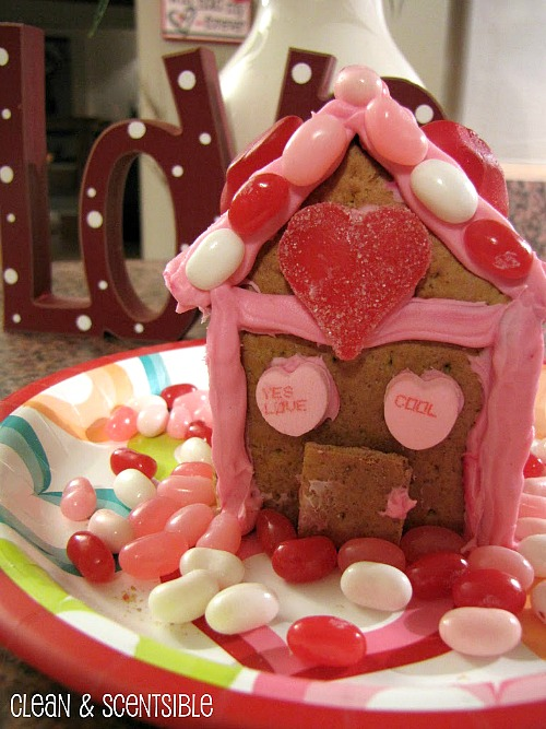 Valentine's Day graham cracker houses.