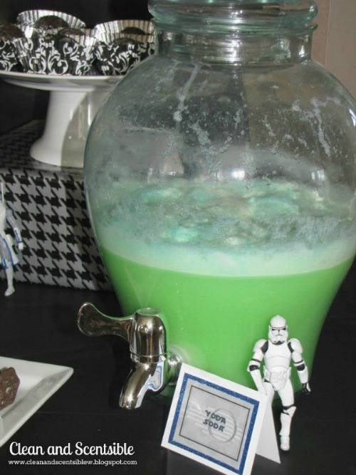 Lots of Star Wars party food ideas plus free printables.