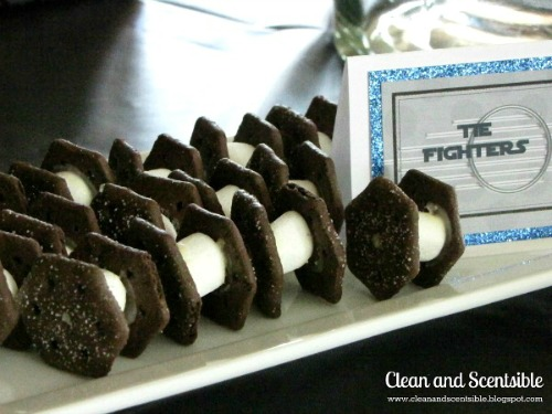 Star Wars party food ideas plus free printables.