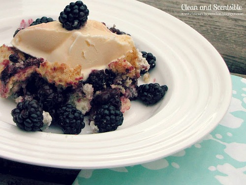 Blackberry Cobbler - Only 3 ingredients needed and super quick to make!