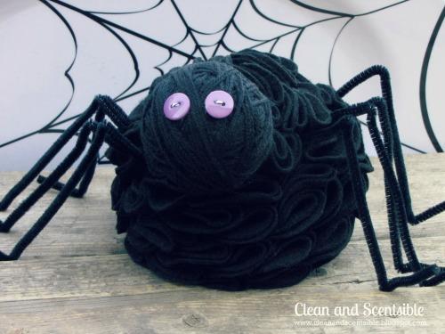 Ruffled felt spider for Halloween.