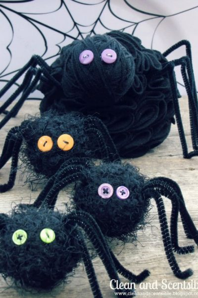Easy to make Halloween spiders! Who knew spiders could be so cute!