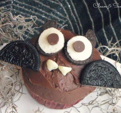 Halloween bat cupcakes - so cute!!