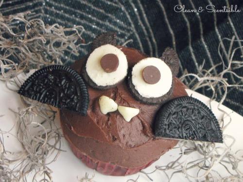 Halloween bat cupcakes - so cute!!