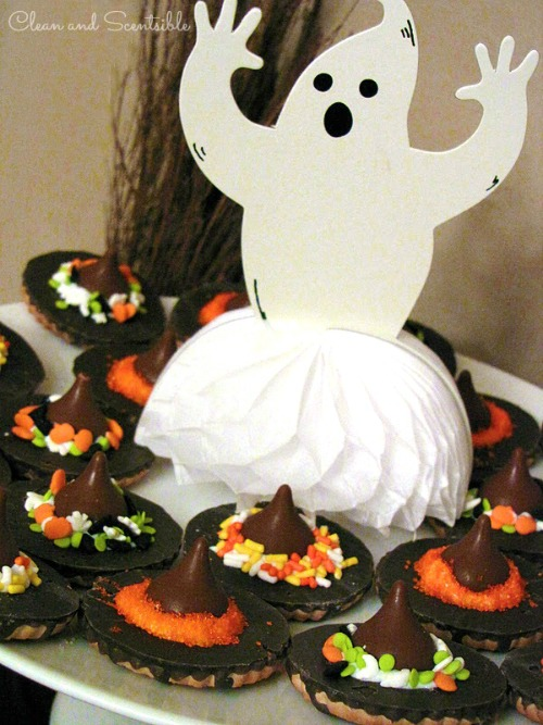 Tons of Halloween party ideas -food, decor, games, and kids' crafts