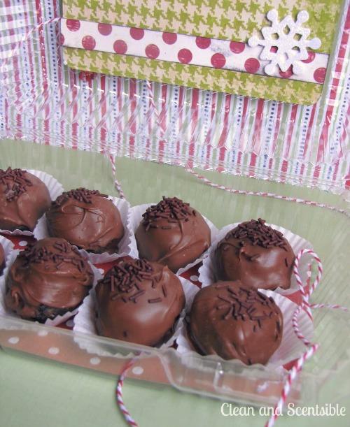 Chocolate oreo cheesecake balls.  YUM!!