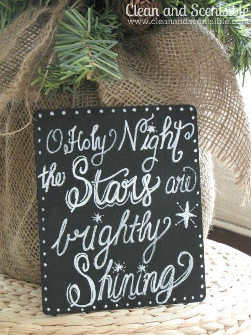 Chalkboard art Christmas ornaments. Love these!