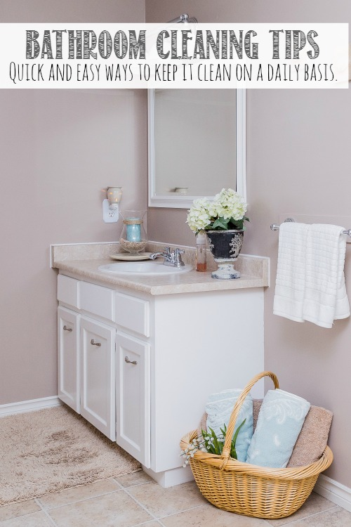 Lots of quick and practical ideas to keep your bathroom clean on a regular basis! // cleanandscentsible.com