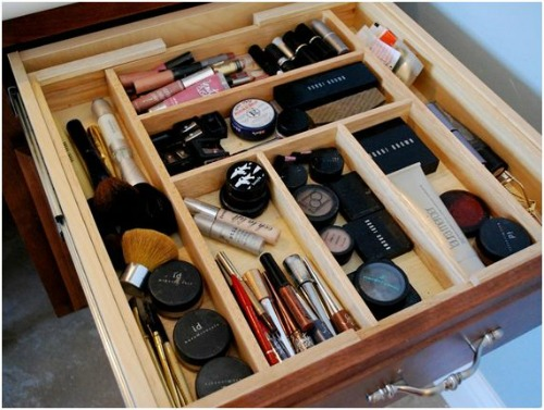 Lots of great make-up organization tips!