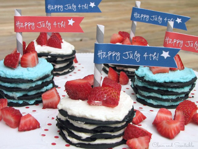 These mini ice box cakes are such a fun and easy dessert idea for July 4th or Canada Day. Free printable flags included too!