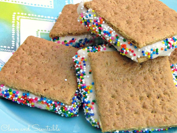 """Healthy """"Ice Cream"""" Sandwiches - made with bananas!"""