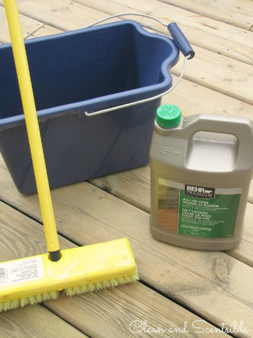 Great step by step tutorial on how to clean your wood deck.