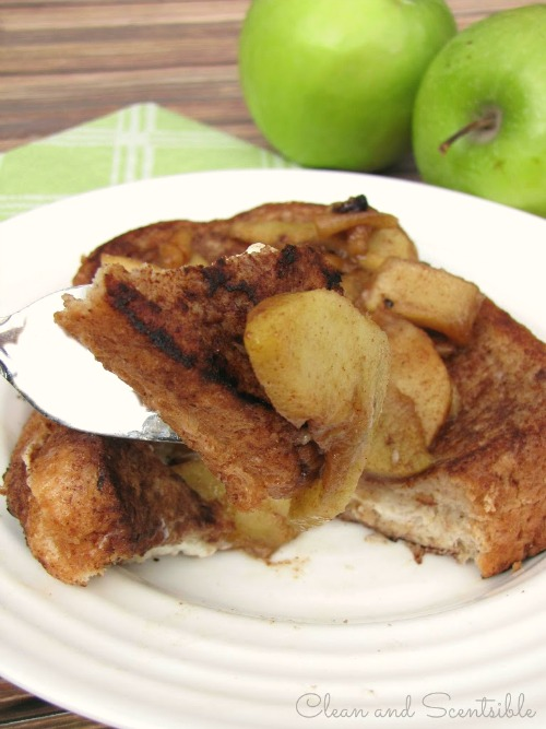 This cream cheese stuffed french toast is SO good!
