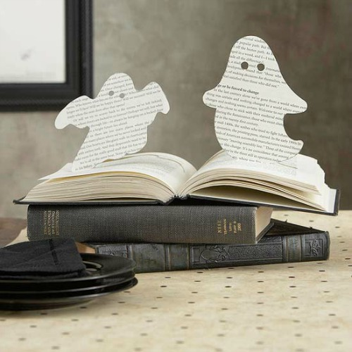 Ghost book pages and 20 other ghostly Halloween ideas!