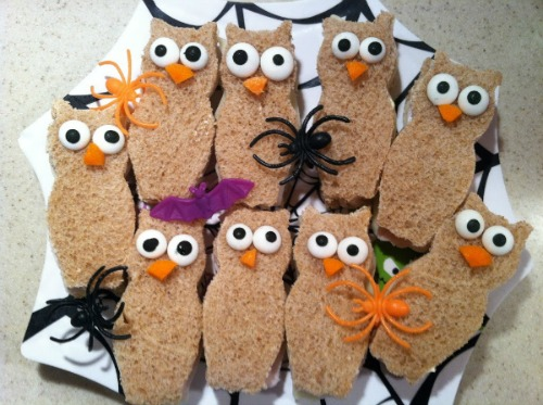 Owl Sandwiches plus lots of other fun and healthy Halloween food ideas.