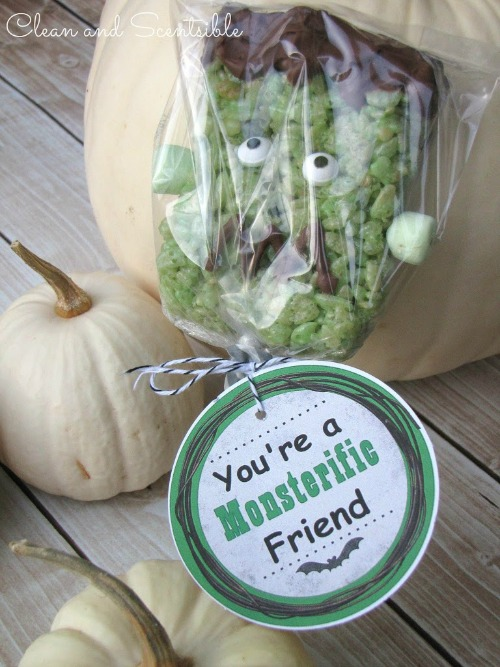 Frankenstein Rice Krispie Treats with free printables.  So cute!!
