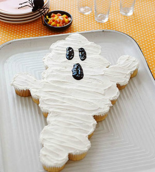 Ghost cupcakes and 20 other ghostly Halloween ideas.