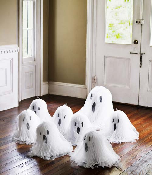 Wedding bell ghosts and 20 other ghostly Halloween ideas!