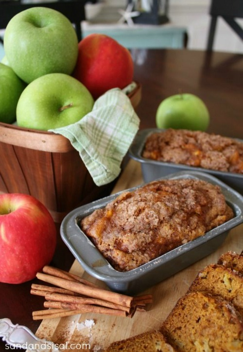 Pumpkin Apple Bread with Streusel Topping - 20 of The Best Apple Recipes