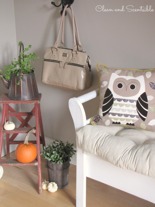 Fall home tour - lots of fall and Thanksgiving decor ideas.