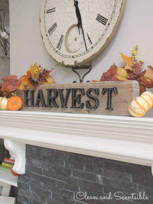 Fall and Thanksgiving Mantel  with lots of other fall decorating ideas for your home.  // via Clean and Scentsible
