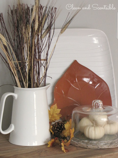 Fall Home tour - lots of fall and Thanksgiving decorating ideas.