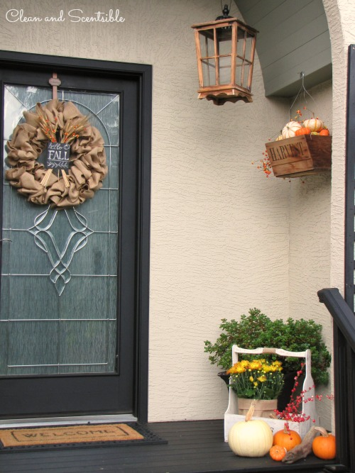 Ideas to decorate your porch for fall.