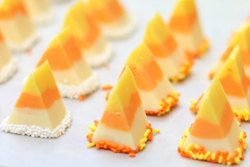 Candy corn fudge and lots of other fun candy corn inspired food ideas!