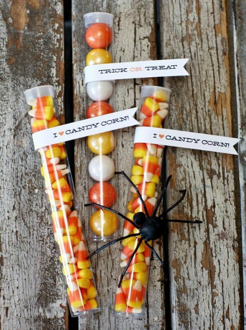 Candy corn treats with printables and lots of other fun candy corn inspired food ideas!
