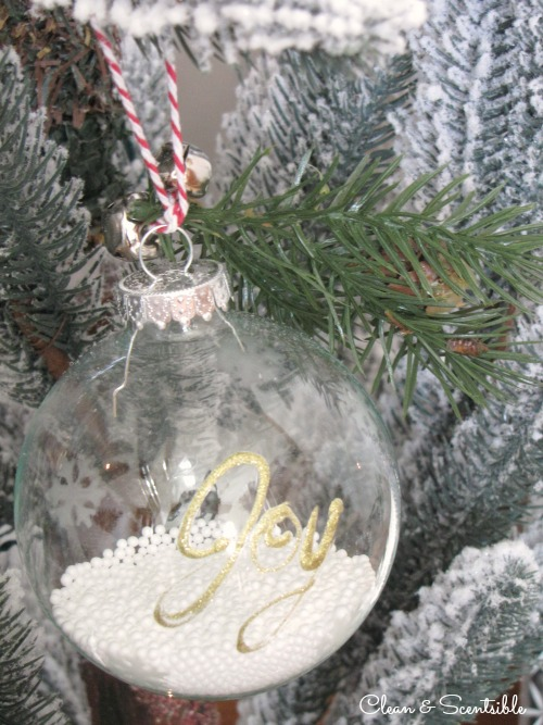 Easy Christmas ornaments with paint and glass etching