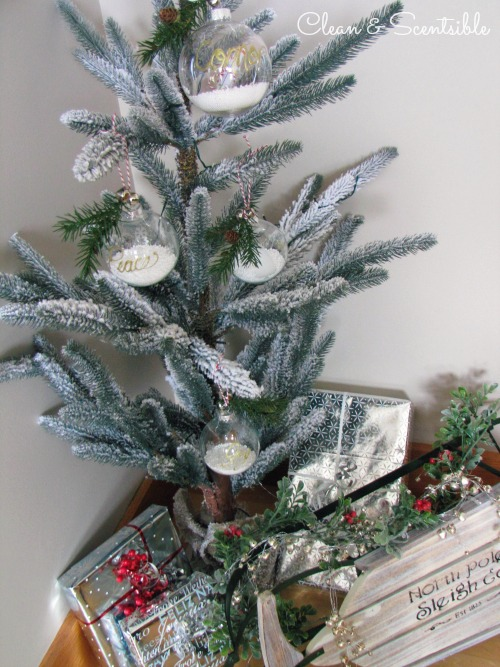 Easy DIY Christmas tree ornaments.