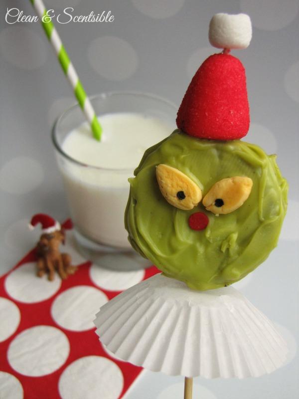 Grinch Oreo Pops