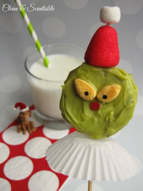 Grinch Oreo Pops.