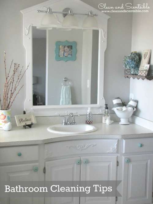 Quick and easy bathroom cleaning tips. {from the Top 10 Cleaning Posts of 2013}