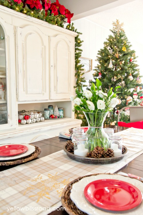 Christmas Dining Room from Yellow Bliss Road