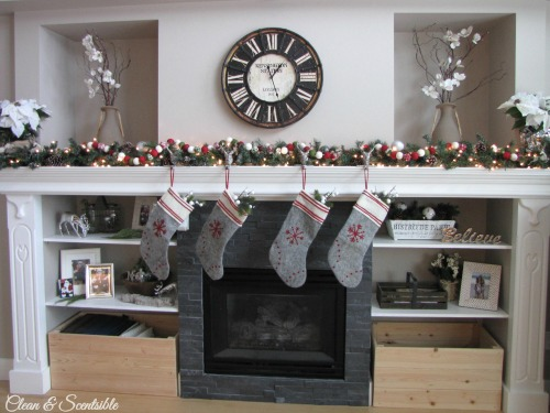Christmas Home Tour – Christmas Mantel