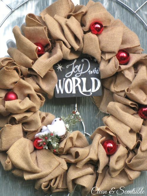 Burlap Christmas wreath and lots of other ideas for decorating a Christmas porch!