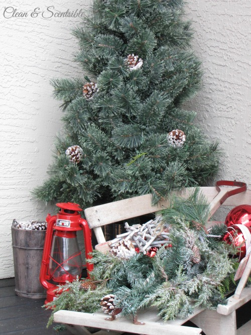 Lots of ideas to help you decorate your porch for Christmas!