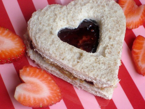 Heart cut out sandwiches and other healthy Valentine's Day food ideas.