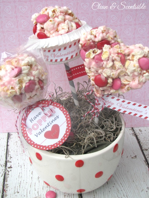 Valentine's Day pops with free printables!