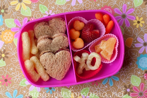 Valentine's Day Bento lunch and lots of other healthy Valentine's Day food ideas!