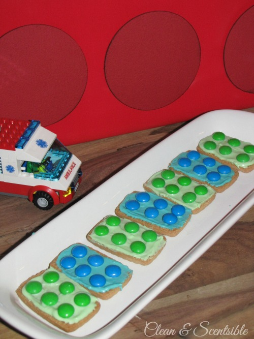 Quick and easy Lego party!