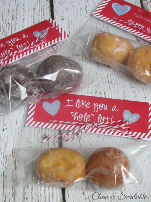 "I like you a ""hole"" lot - Valentine's Day treat idea with free printable."